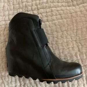 Sorel Fiona Wedge Lux Ankle Boot